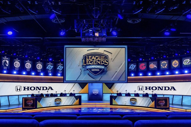 HONDA É A NOVA PATROCINADORA DO LEAGUE OF LEGENDS CHAMPIONSHIP SERIES (LOL)